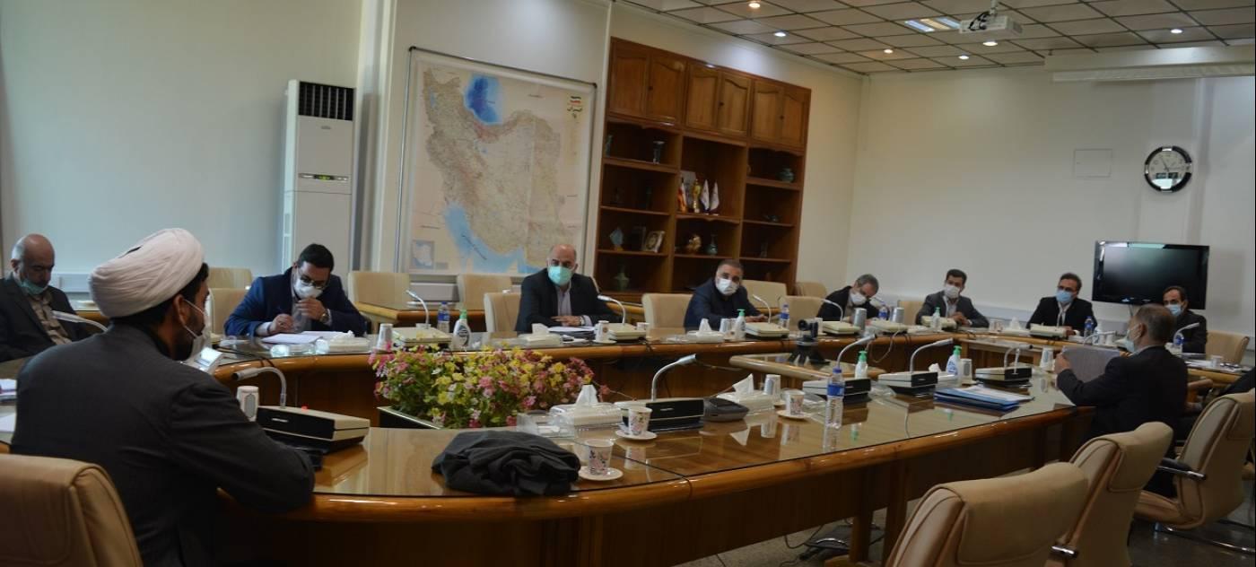 مشکلات 12 واحد تولیدی شهرستان ملایر با حضور استاندار همدان بررسی شد