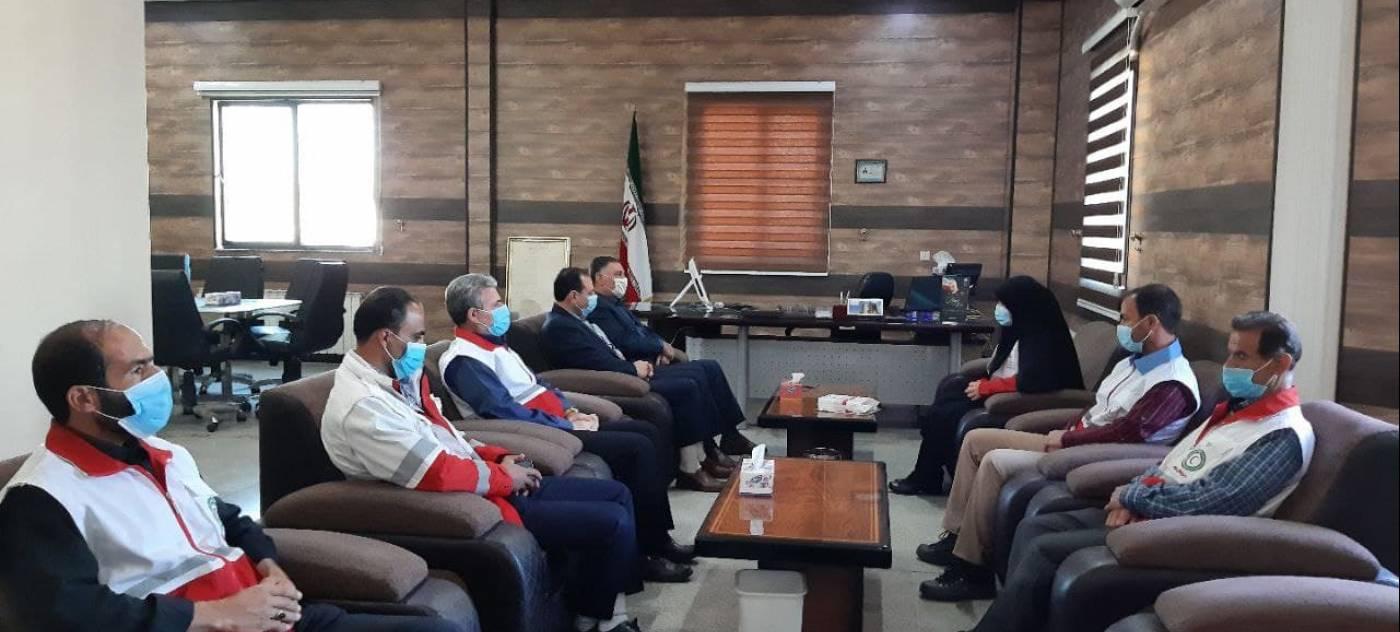 دیدار کارکنان جمعیت هلال احمر شهرستان رزن با فرماندار به مناسبت هفته هلال احمر