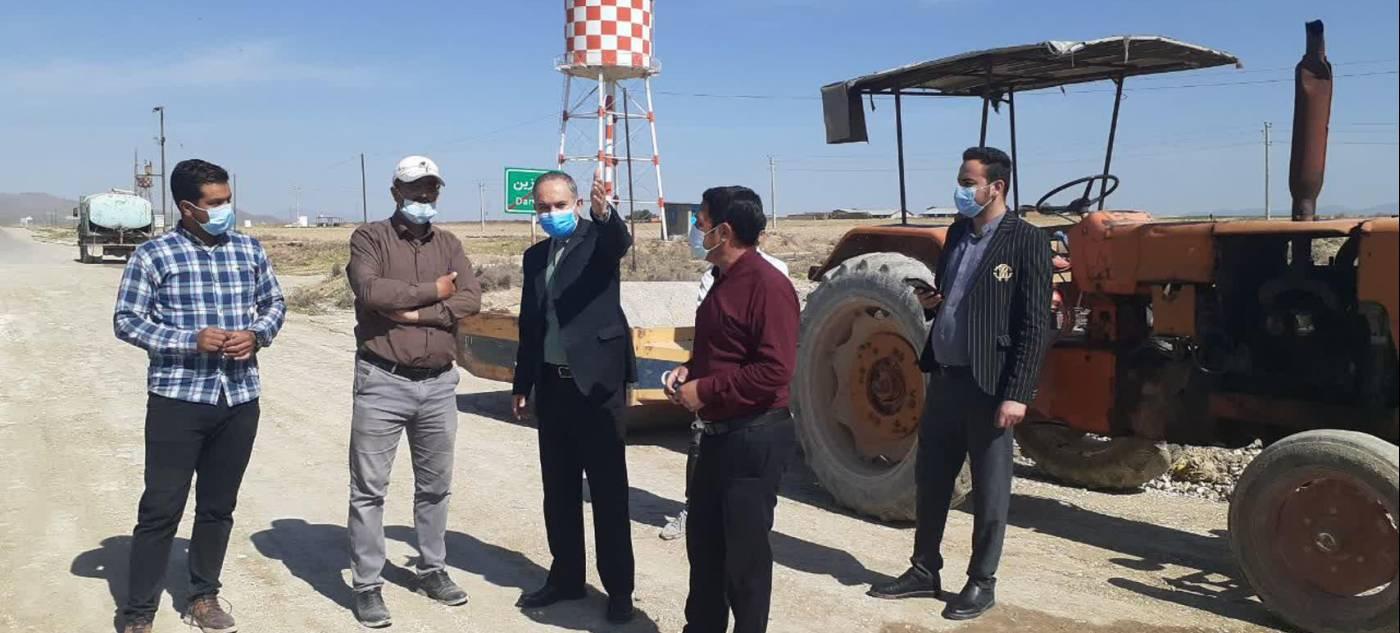 بازدید فرماندار از ادامه عملیات عمرانی تعریض مسیر روستای درگزین