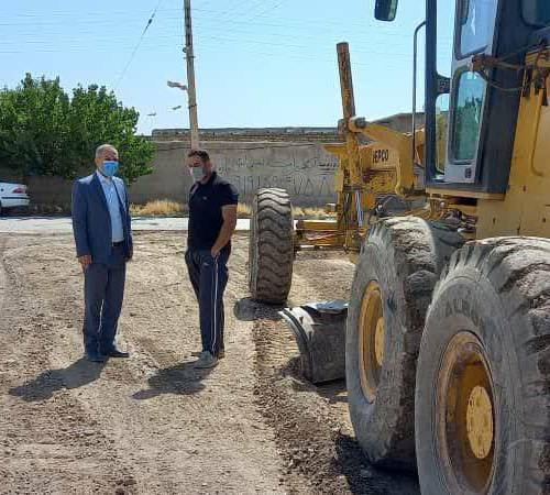 ناظری پور فرماندار شهرستان درگزین از عملیات زیر سازی معابر روستای بهکندان بازدید کرد.
